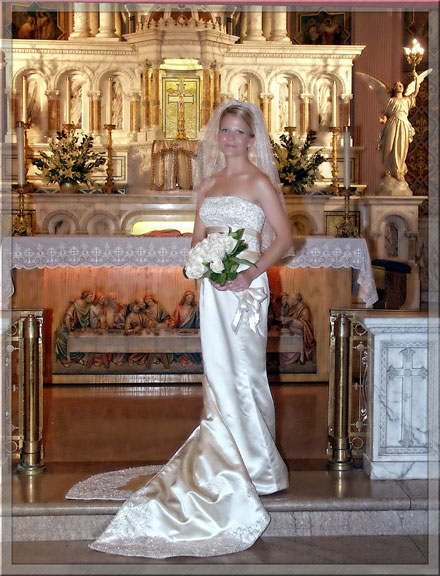 beautiful formal wedding portrait of a bride by virginia beach portrait photographer , diamond photography